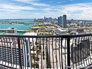 1750 N Bayshore Dr #4908, Miami, FL 33132 (MLS #A11077279) :: Douglas Elliman