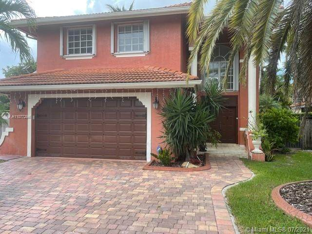 16013 SW 101st Ter, Miami, FL 33196 (MLS #A11077294) :: The Howland Group
