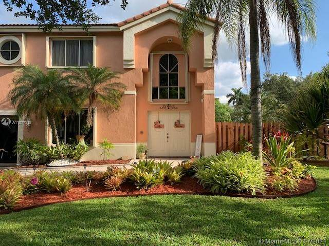 11352 Roundelay Rd, Cooper City, FL 33026 (MLS #A11077318) :: ONE Sotheby's International Realty