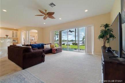 12490 Shoreline Dr, Wellington, FL 33414 (MLS #A11078336) :: Jo-Ann Forster Team