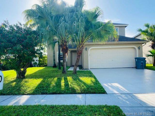 23170 Floralwood Ln, Boca Raton, FL 33433 (#A11078398) :: Posh Properties