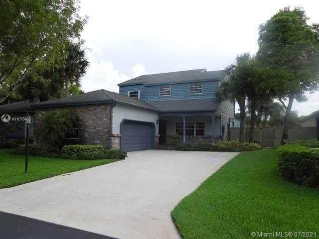 6538 Abbey Rd, Parkland, FL 33067 (MLS #A11078468) :: Berkshire Hathaway HomeServices EWM Realty