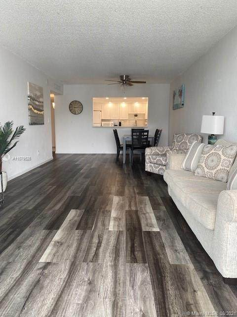 19370 Collins Ave #1512, Sunny Isles Beach, FL 33160 (MLS #A11079328) :: GK Realty Group LLC