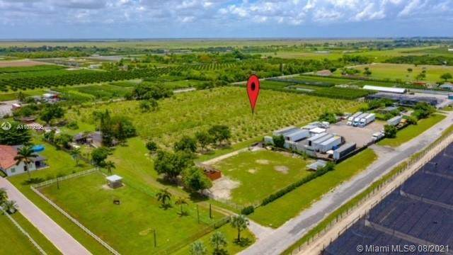 21250 SW 202nd Ave, Miami, FL 33187 (MLS #A11079396) :: Berkshire Hathaway HomeServices EWM Realty