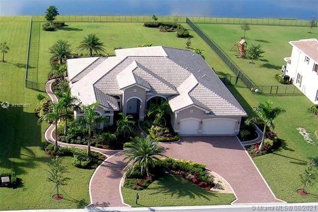 10992 Pine Lodge Trl, Davie, FL 33328 (MLS #A11079577) :: Green Realty Properties