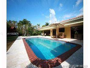 1137 S Southlake Dr, Hollywood, FL 33019 (MLS #A11082876) :: KBiscayne Realty