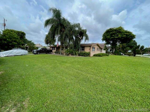 1200 NE 27th Way, Pompano Beach, FL 33062 (MLS #A11083392) :: The Rose Harris Group