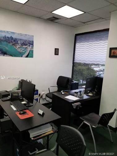 900 49th St Suite 313 - Photo 1