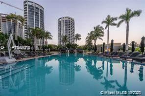 Coconut Grove, FL 33133 :: Douglas Elliman
