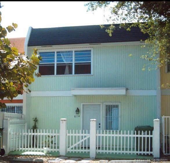 614 NW 11th St, Miami, FL 33136 (MLS #A11084743) :: Castelli Real Estate Services