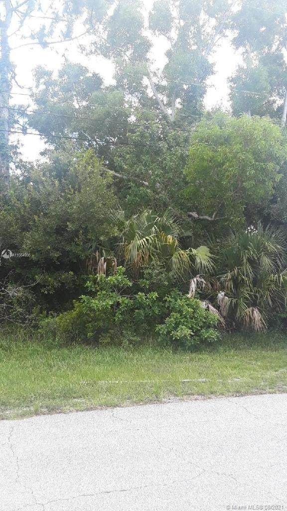 480 SW College Park Rd, Port Saint Lucie, FL 34953 (MLS #A11084936) :: Douglas Elliman