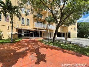 6950 W 6th Ave #318, Hialeah, FL 33014 (MLS #A11085803) :: Green Realty Properties