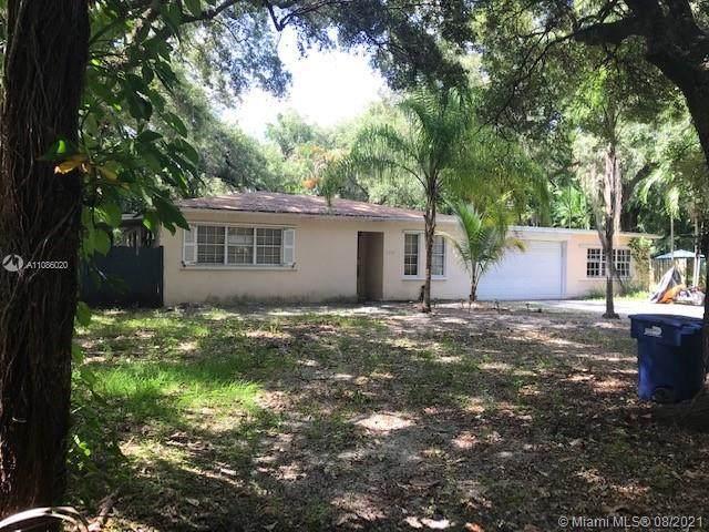 1732 NE 144th St, Miami, FL 33181 (MLS #A11086020) :: Douglas Elliman