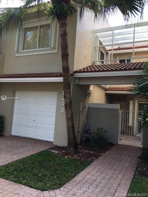 5272 NW 103rd Ave, Doral, FL 33178 (MLS #A11087047) :: Castelli Real Estate Services