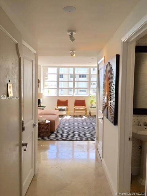 1408 Brickell Bay Dr #808, Miami, FL 33131 (MLS #A11087875) :: Green Realty Properties