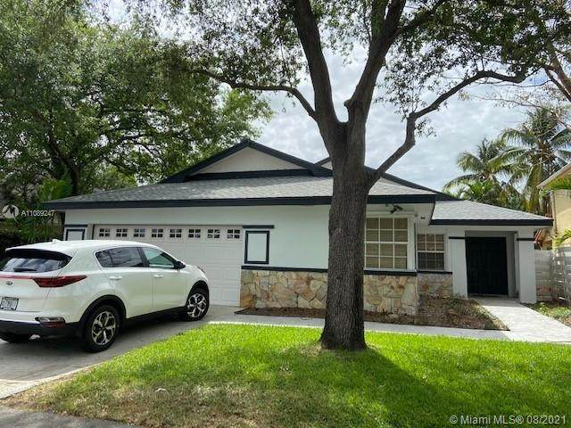 15024 SW 139th Ave, Miami, FL 33186 (MLS #A11089247) :: The Rose Harris Group