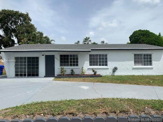 6951 Sheridan St, Hollywood, FL 33024 (MLS #A11089410) :: The Rose Harris Group
