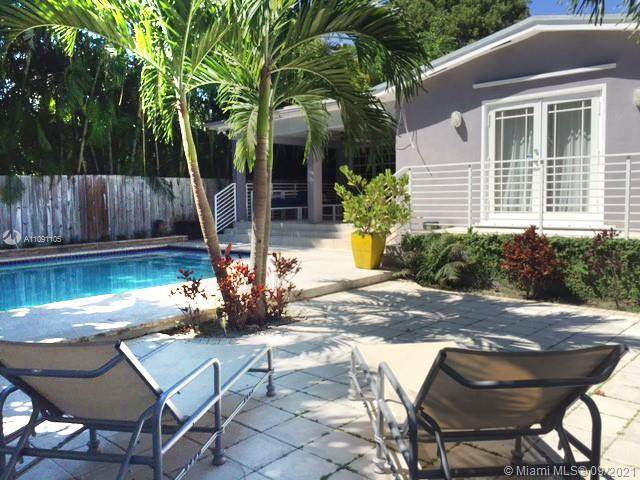 654 NE 71st St, Miami, FL 33138 (MLS #A11091105) :: CENTURY 21 World Connection