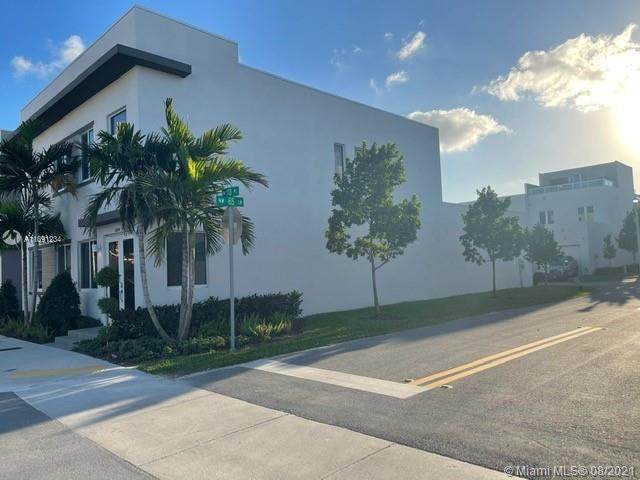 6484 NW 103RD PLACE #6484, Doral, FL 33178 (MLS #A11091234) :: Castelli Real Estate Services