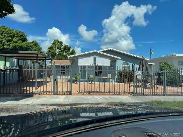 181 NW 76th Ave, Miami, FL 33126 (MLS #A11095140) :: All Florida Home Team