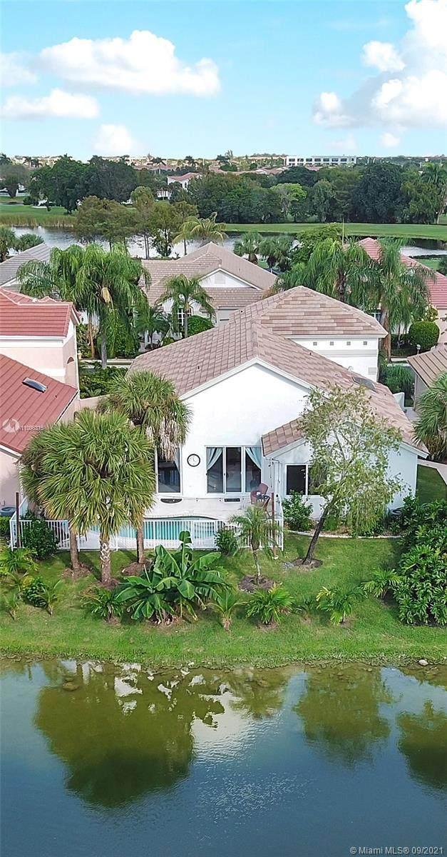 1512 E Lacosta Dr E, Pembroke Pines, FL 33027 (MLS #A11096315) :: Douglas Elliman