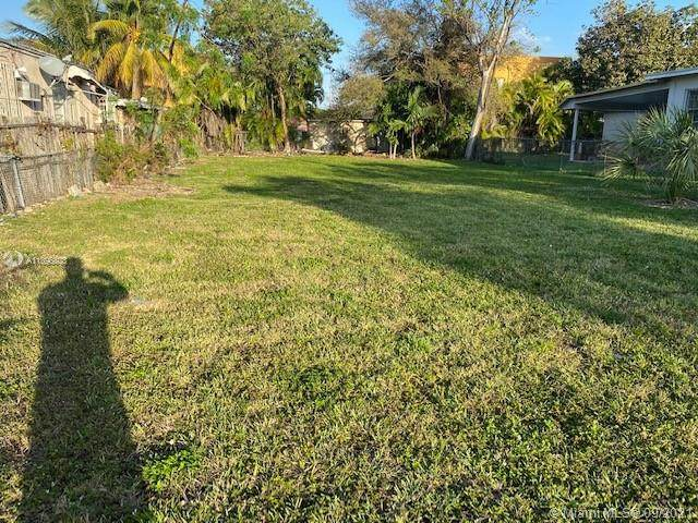 513 nw 23 Rd Pl, Miami, FL 33125 (MLS #A11096803) :: Onepath Realty - The Luis Andrew Group
