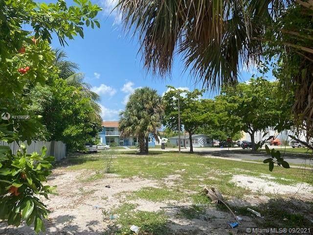 2115 Beautiful Ave, West Palm Beach, FL 33407 (MLS #A11098596) :: Patty Accorto Team