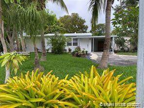 2561 NE 12th Avenue, Pompano Beach, FL 33064 (MLS #A11098892) :: Castelli Real Estate Services