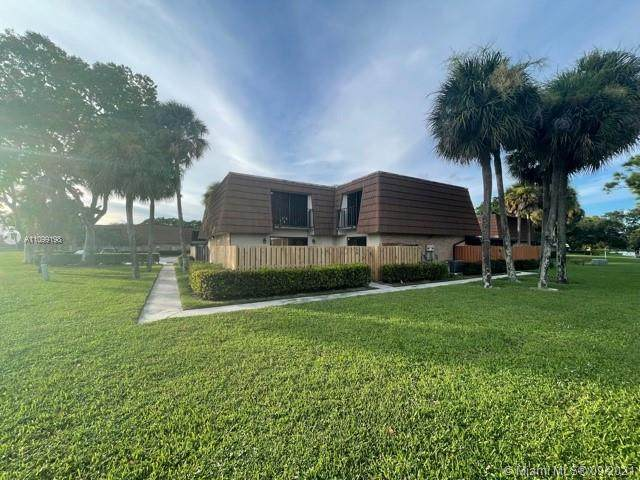 255 Charter Way, West Palm Beach, FL 33407 (MLS #A11099198) :: GK Realty Group LLC