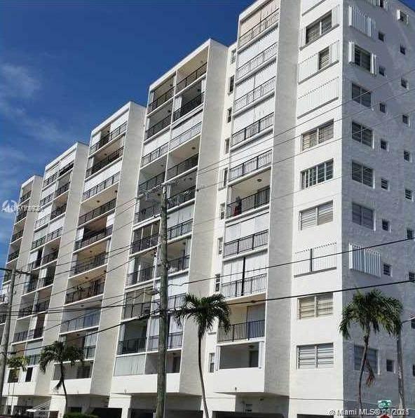 7850 Byron Ave #502, Miami Beach, FL 33141 (MLS #A11099268) :: Douglas Elliman