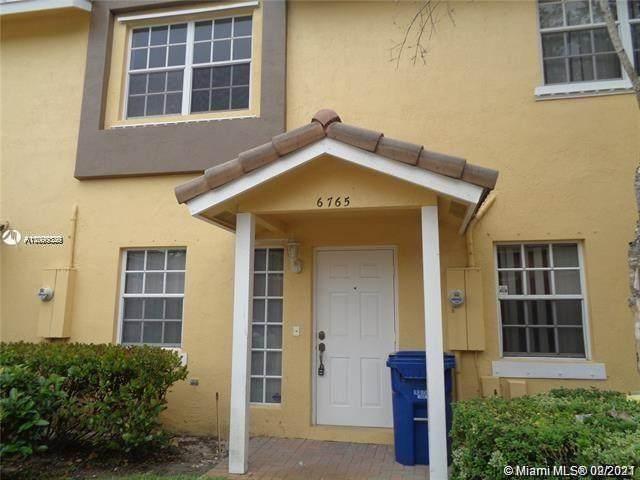 6765 Sienna Club Pl #6765, Lauderhill, FL 33319 (MLS #A11099329) :: Berkshire Hathaway HomeServices EWM Realty