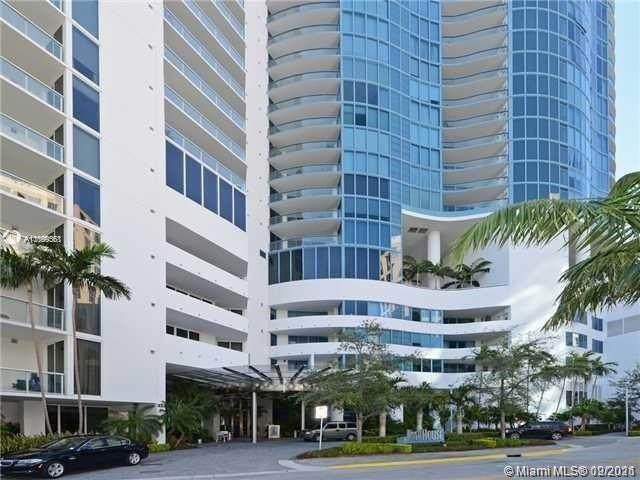 333 Las Olas Wy #1207, Fort Lauderdale, FL 33301 (MLS #A11099561) :: Equity Advisor Team