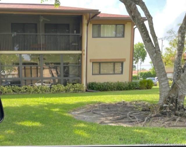 10709 W Clairmont Cir #111, Tamarac, FL 33321 (MLS #A11099633) :: The Riley Smith Group