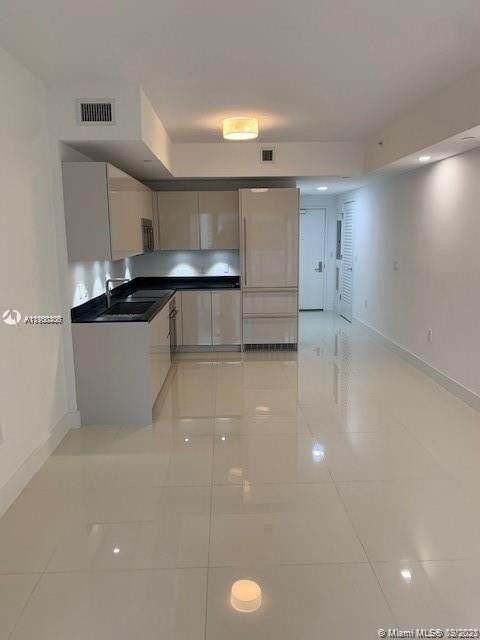 1010 Brickell Ave #1710, Miami, FL 33131 (MLS #A11100306) :: Equity Advisor Team