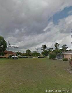 3732 SW 15 Pl, Cape Coral, FL 33914 (#A11100528) :: Posh Properties