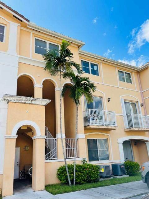 7250 NW 177th St 208-16, Hialeah, FL 33015 (MLS #A11100963) :: GK Realty Group LLC