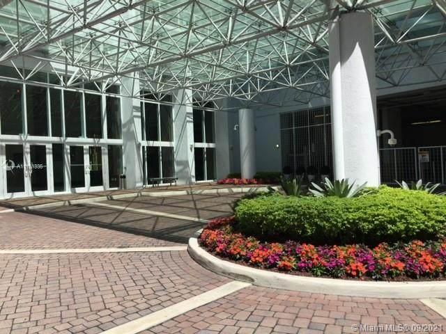 31 SE 5th St #1404, Miami, FL 33131 (MLS #A11101336) :: GK Realty Group LLC