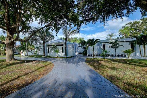 18555 SW 83rd Pl, Cutler Bay, FL 33157 (MLS #A11103154) :: Onepath Realty - The Luis Andrew Group