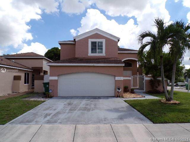 2851 River Run Ter, Miramar, FL 33025 (MLS #A11104253) :: Green Realty Properties