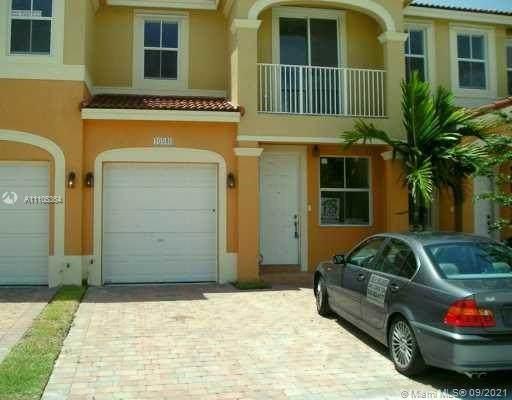 10846 SW 243rd Ln, Homestead, FL 33032 (MLS #A11105364) :: Castelli Real Estate Services