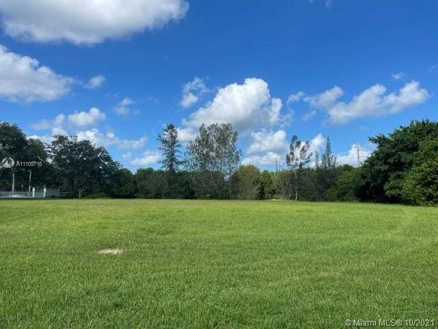 3836 Pine Lake Dr, Weston, FL 33332 (MLS #A11105716) :: The Pearl Realty Group