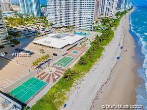 1950 S Ocean Dr 5K, Hallandale Beach, FL 33009 (MLS #A11106310) :: The Teri Arbogast Team at Keller Williams Partners SW