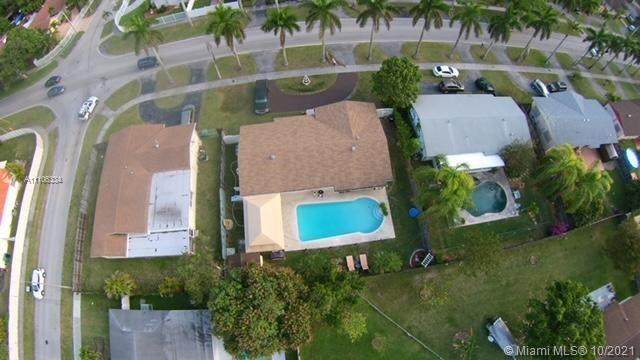 10911 SW 160th St, Miami, FL 33157 (MLS #A11106334) :: The Pearl Realty Group