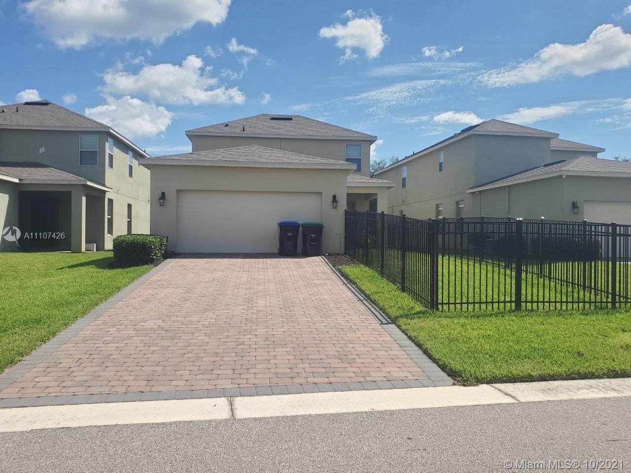 8250 Bayview Crossing Dr - Photo 1