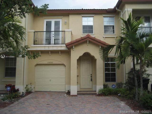 13231 SW 127th Ct, Miami, FL 33186 (MLS #A11108993) :: Equity Advisor Team