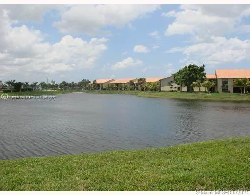 1455 Lake Crystal Dr D, West Palm Beach, FL 33411 (MLS #A11110246) :: The MPH Team