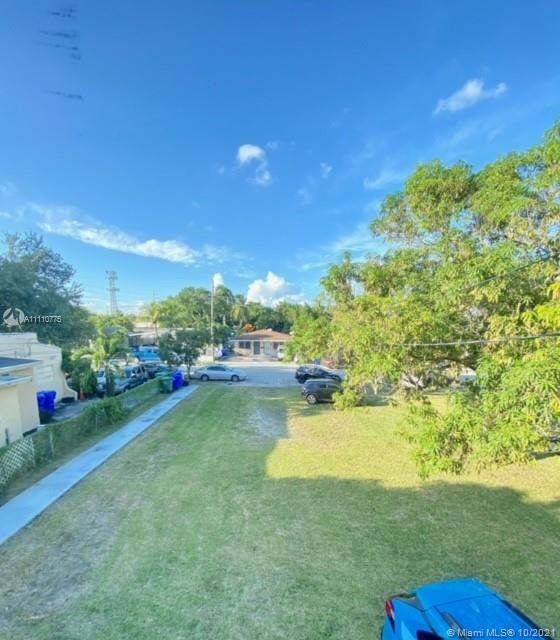 1268 NW 27th St Side, Miami, FL 33142 (MLS #A11110775) :: Castelli Real Estate Services