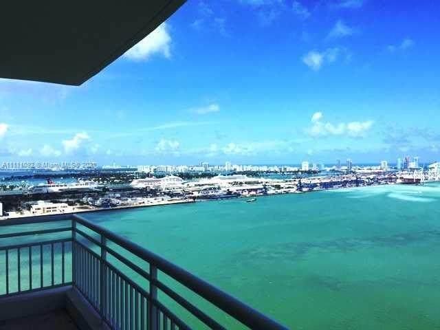 808 Brickell Key Dr #3404, Miami, FL 33131 (MLS #A11111092) :: The MPH Team