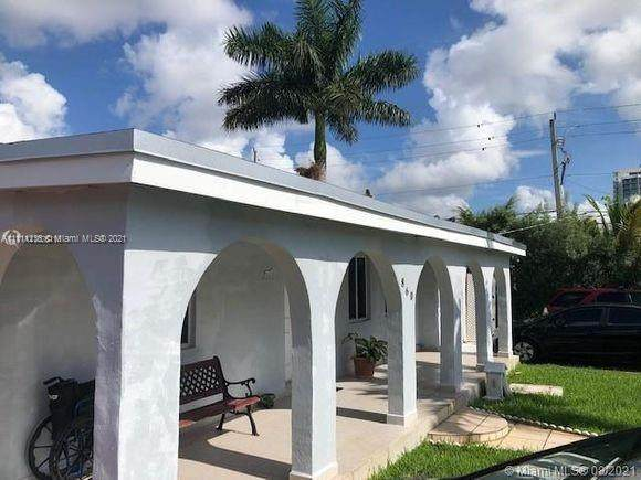 860 NW 19 CT, Miami, FL 33125 (MLS #A11111236) :: The Pearl Realty Group
