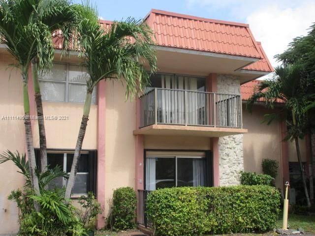 10501 SW 108th Ave #103, Miami, FL 33176 (MLS #A11111495) :: The MPH Team